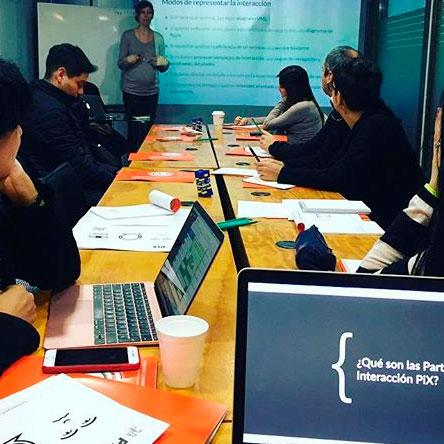 Participante en {ida workshop Partituras de Interacción